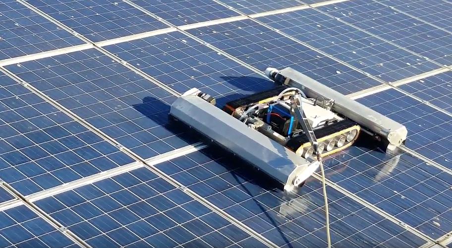 Robot Optimus : nettoyer les panneaux solaires 0