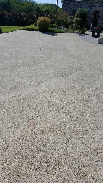 Nettoyage cours en béton lavé 6